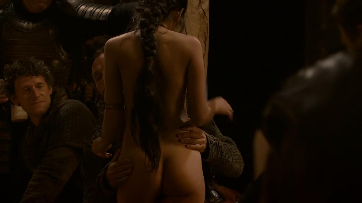 проведенное эротическая сцена из фильма на игре рыпнулся меня