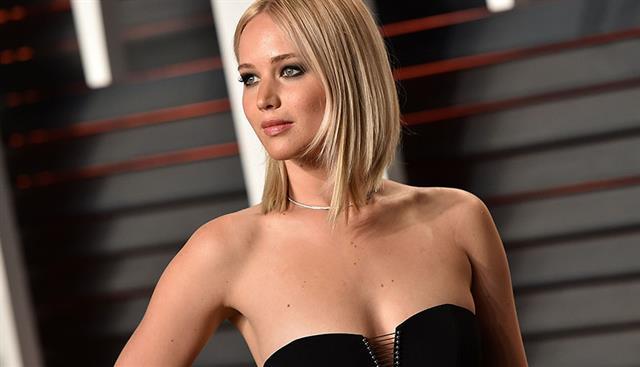 Jennifer Lawrence hot