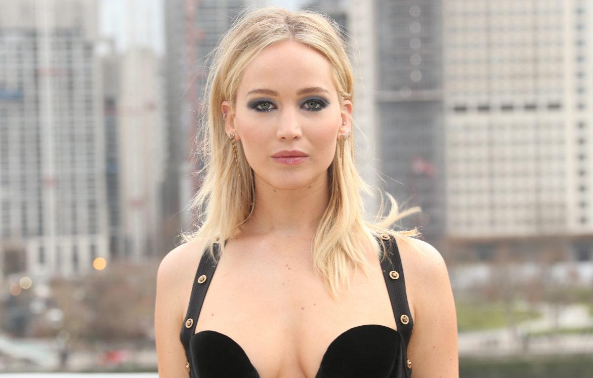 Jennifer Lawrence scena nudo