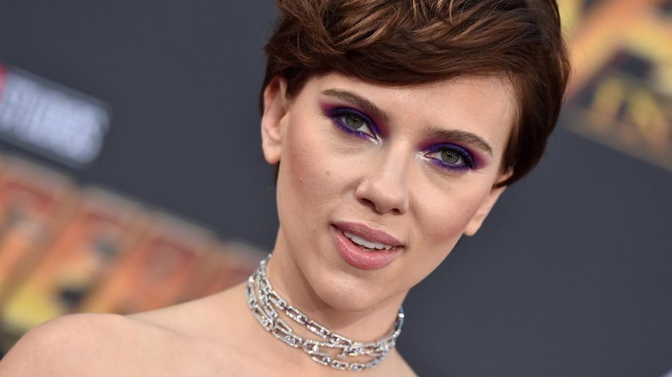 Johansson rinuncia ruolo trans