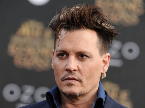 johnny depp denuncia