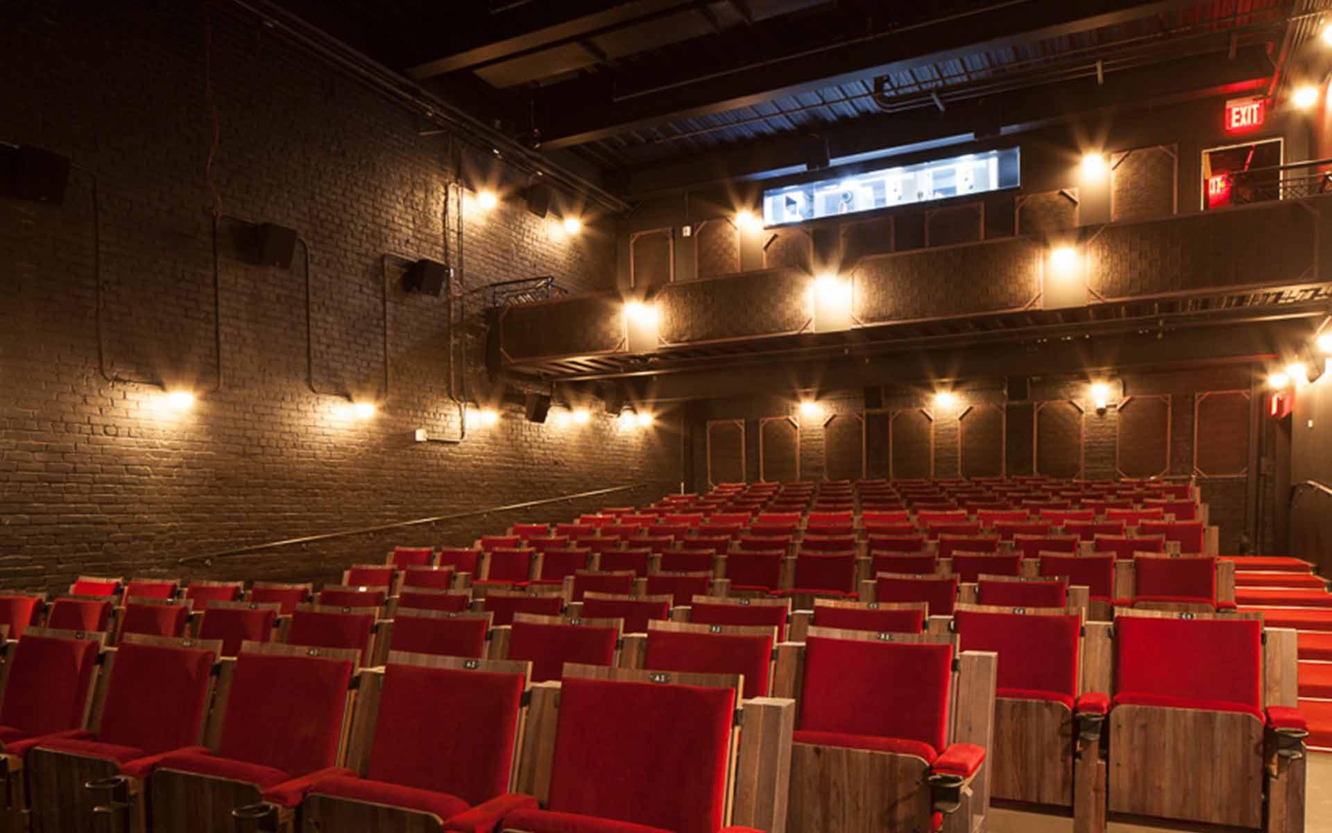 paris theatre ny chiuso
