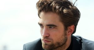 Robert Pattinson fisico