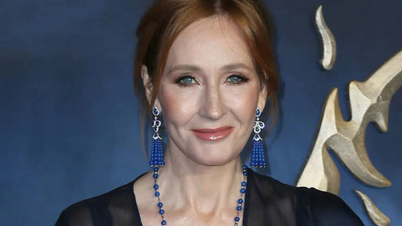 J.K. Rowling transfobica
